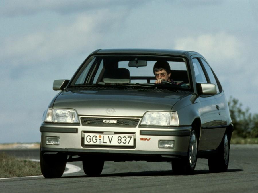 Opel Kadett GSi хетчбэк 3-дв., E [рестайлинг] - отзывы, фото и характеристики на Car.ru