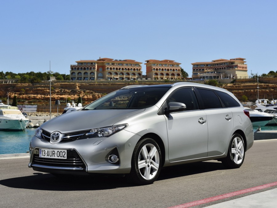 Toyota Auris Touring Sports универсал 5-дв., 2012–2016, 2 поколение - отзывы, фото и характеристики на Car.ru