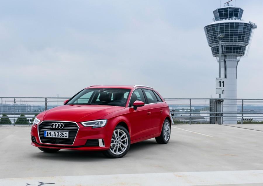 Audi A3 Sportback хетчбэк, 8V [рестайлинг] - отзывы, фото и характеристики на Car.ru