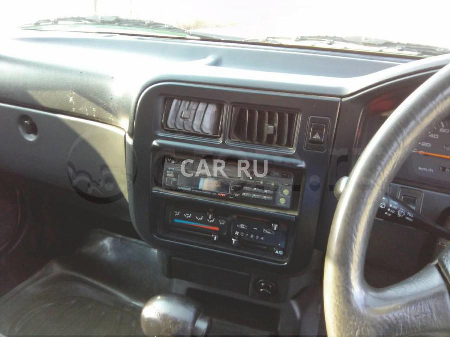 Nissan Wingroad, Артём