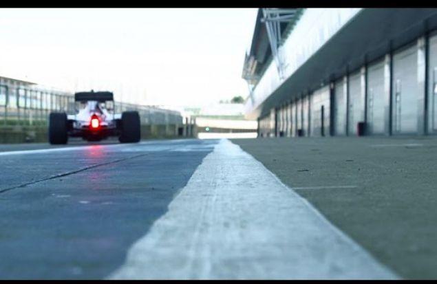 Mercedes F1 W07 на треке!