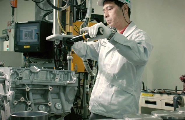 Сборка моторов Nissan GT-R