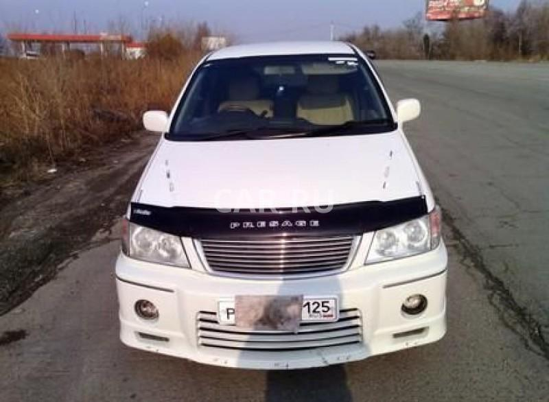 Nissan Presage, Артём