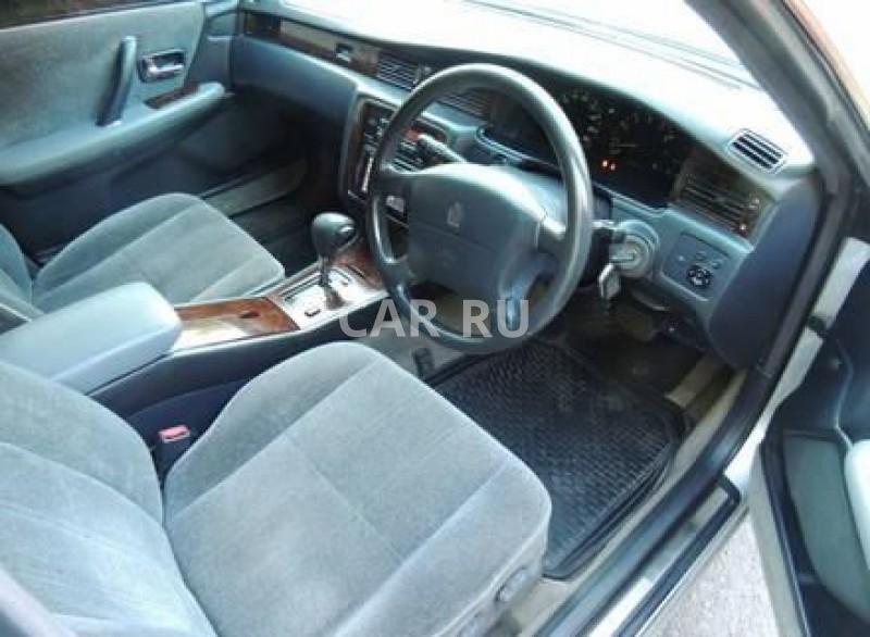 Toyota Crown, Белово