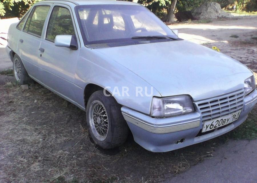 Opel Kadett, Азов