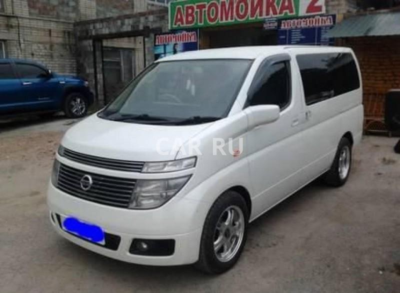 Nissan Elgrand, Артём