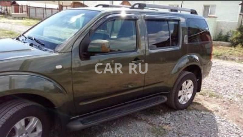 Nissan Pathfinder, Айхал